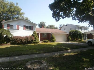 Livonia Single Family Home For Sale: 32478 Washington Street