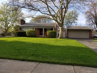 Royal Oak, Ferndale, Berkley, Clawson, Pleasant Ridge Single Family Home For Sale: 210 Council Avenue
