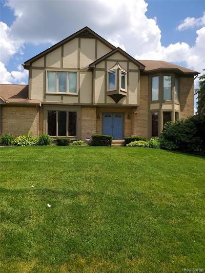 Farmington Hills Single Family Home For Sale: 30982 Huntsman Drive W