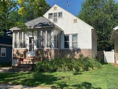 Royal Oak Single Family Home For Sale: 2111 N Washington Avenue