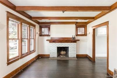 Detroit Single Family Home For Sale: 949 Longfellow Street