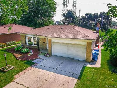Warren Single Family Home For Sale: 27740 Palomino Drive