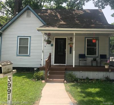 Berkley Single Family Home For Sale: 3991 Thomas Avenue