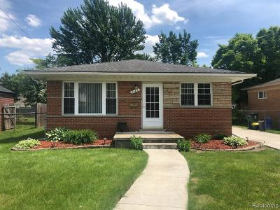 Royal Oak Single Family Home For Sale: 3147 Merrill Avenue