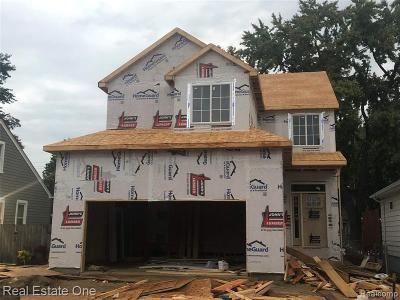 Clawson Single Family Home For Sale: 254 Tecumseh Street