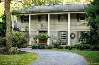 Livonia Single Family Home For Sale: 16865 Canterbury Street