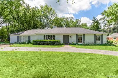 Bloomfield Twp Single Family Home For Sale: 4145 Sandy Lane