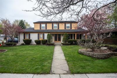 Warren Single Family Home For Sale: 31901 Cambridge Drive
