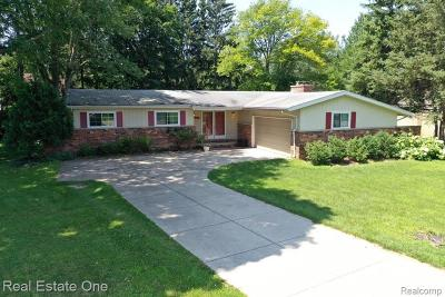 Novi Single Family Home For Sale: 23935 Lynwood Drive
