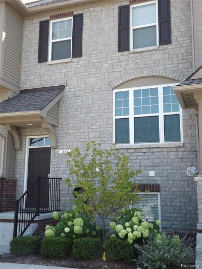 Rochester Hills Condo/Townhouse For Sale: 859 Barclay Circle #16