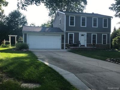 Rochester Hills Single Family Home For Sale: 1734 Danbury Lane