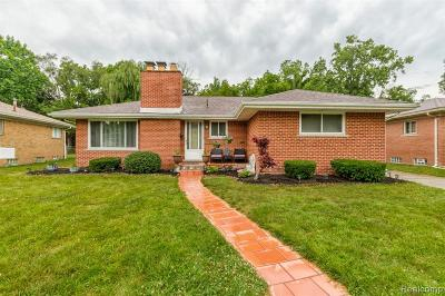 Dearborn Heights Single Family Home For Sale: 21221 Fairview Drive