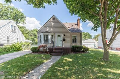 Berkley Single Family Home For Sale: 4114 Thomas Avenue