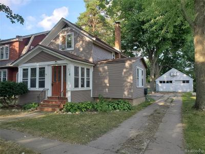 Single Family Home For Sale: 116 N Shiawassee Street