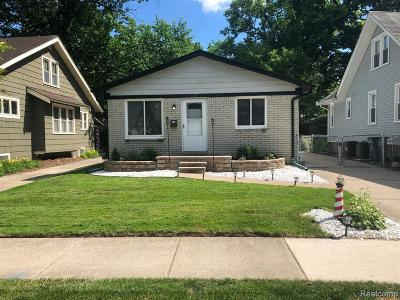 Royal Oak Single Family Home For Sale: 614 Gardenia Avenue