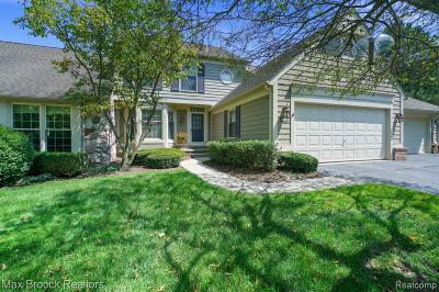 Bloomfield Twp Condo/Townhouse For Sale: 898 Tartan Trail