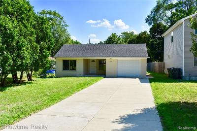 Rochester, Rochester Hills, Shelby Twp Single Family Home For Sale: 8084 Russell Street