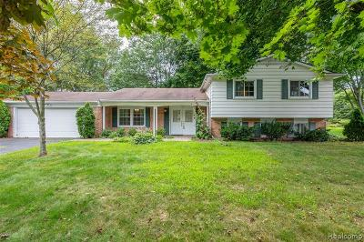 Bloomfield Twp Single Family Home For Sale: 7388 Glengrove