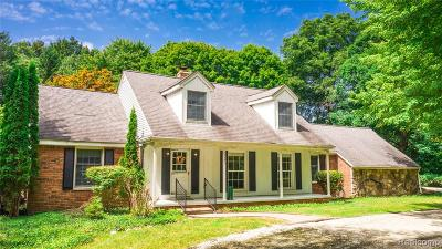 Troy Single Family Home For Sale: 5355 Beach Road