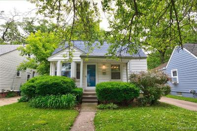 Royal Oak, Ferndale, Berkley, Clawson, Pleasant Ridge Single Family Home For Sale: 400 Flowerdale Street