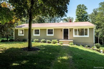 Northville Single Family Home For Sale: 16393 Franklin Road