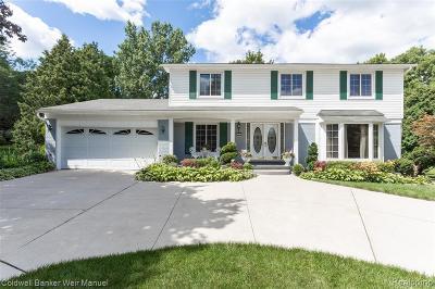 Bloomfield Twp Single Family Home For Sale: 1574 Hunters Ridge Drive