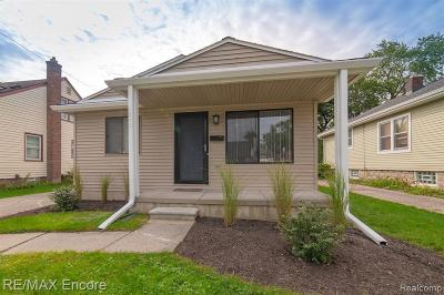Royal Oak, Ferndale, Berkley, Clawson, Pleasant Ridge Single Family Home For Sale: 1249 Princeton Road
