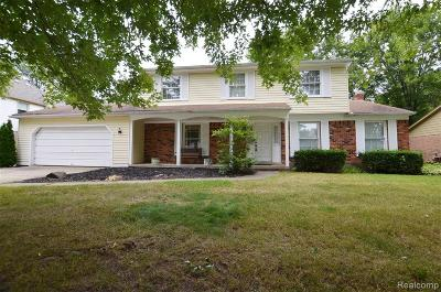 Farmington, Farmington Hills Single Family Home For Sale: 36246 Crompton Circle