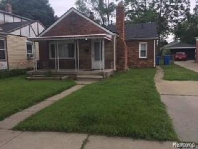 Dearborn Heights Single Family Home For Sale: 8656 Nightingale