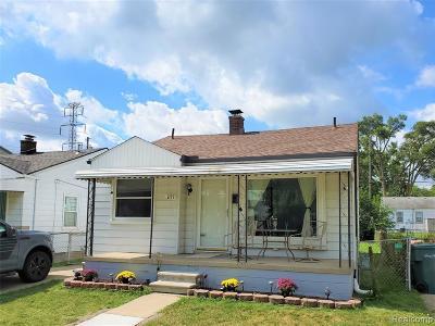 Lincoln Park Single Family Home For Sale: 2171 Progress Avenue