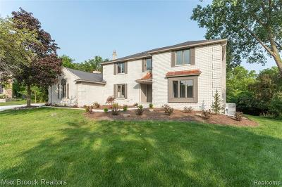 Rochester, Rochester Hills Single Family Home For Sale: 2611 Abington Court