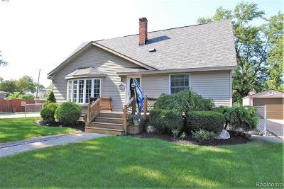 Berkley Single Family Home For Sale: 1258 Oxford Road