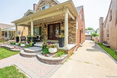Dearborn Single Family Home For Sale: 6446 Oakman Boulevard