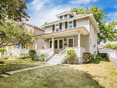 Royal Oak Single Family Home For Sale: 323 E Kenilworth Avenue