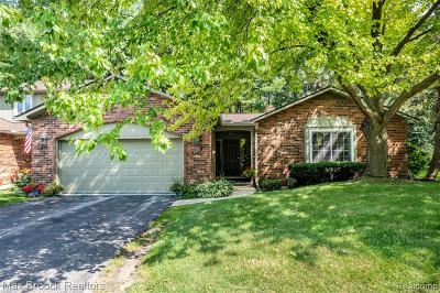 Bloomfield Twp Condo/Townhouse For Sale: 5580 N Adams Way