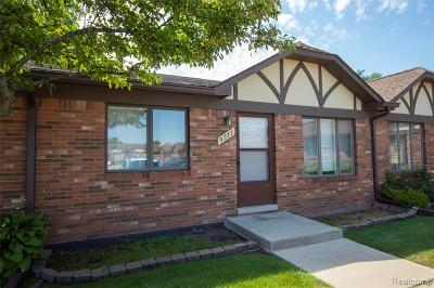 Warren Condo/Townhouse For Sale: 5277 E 11 Mile Road