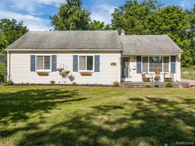Royal Oak Single Family Home For Sale: 4703 Mankato Avenue
