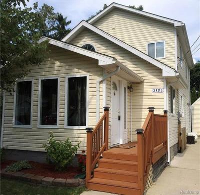 Keego Harbor, Sylvan Lake Single Family Home For Sale: 2391 Willow Beach Street