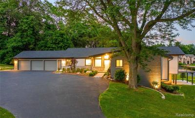 Bloomfield Hills Single Family Home For Sale: 132 Linda Court