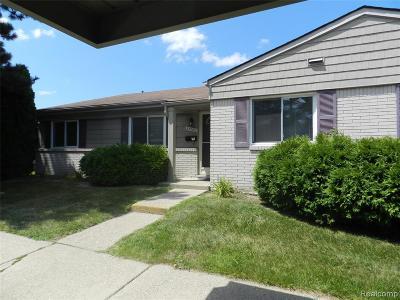 Southfield Condo/Townhouse For Sale: 25930 Franklin Pointe Drive #6