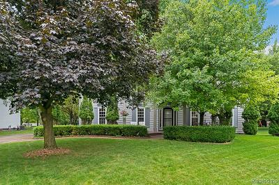 Rochester Hills Single Family Home For Sale: 1212 Whispering Knoll Lane