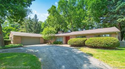 West Bloomfield Single Family Home For Sale: 2002 Long Lake Shore Drive