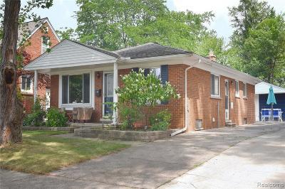 Royal Oak Single Family Home For Sale: 4702 Groveland Avenue