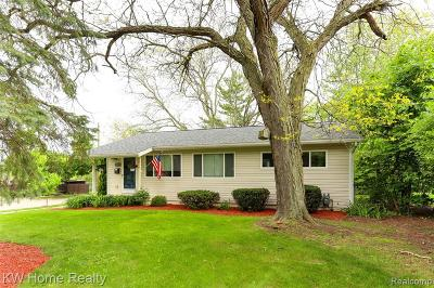 Ann Arbor Single Family Home For Sale: 1800 Hatcher Crescent