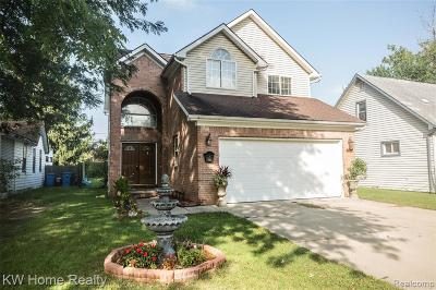 Dearborn Heights Single Family Home For Sale: 8297 Fenton Street