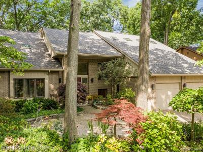West Bloomfield Twp Single Family Home For Sale: 4463 Rolling Pine Drive