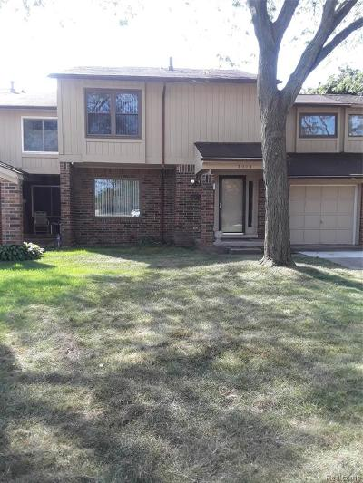 Detroit Single Family Home For Sale: 3118 Woods Circle Circle