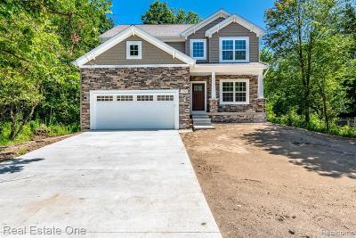 Grand Blanc Single Family Home For Sale: 4069 Oak Street