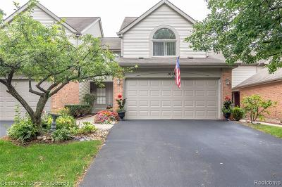 Brighton Condo/Townhouse For Sale: 1020 Rosewood Court