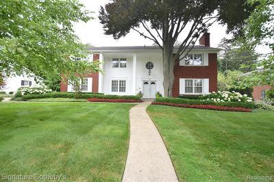 Bloomfield Twp Single Family Home For Sale: 1300 Sandringham Way